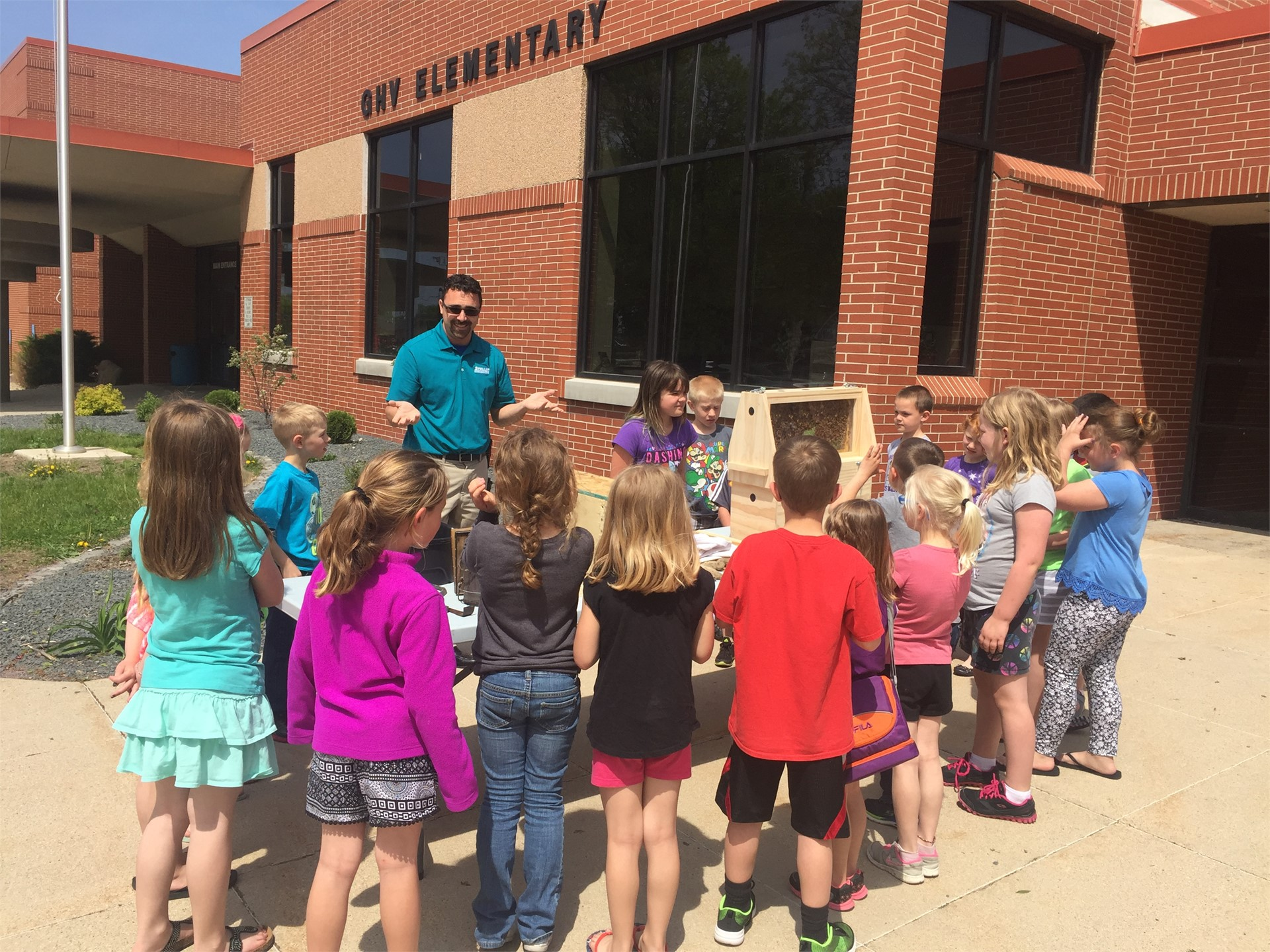 1st Graders Learn about Insects and Pollination